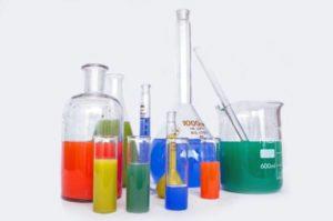 Comment stocker les produits chimiques du laboratoire ?